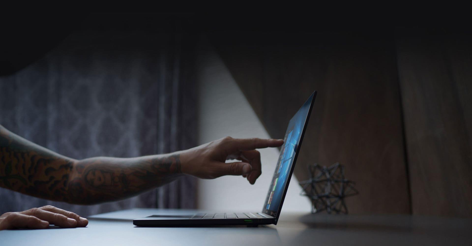 4K-Display mit Touchscreen-Funktion für die absolute Steigerung der Produktivität